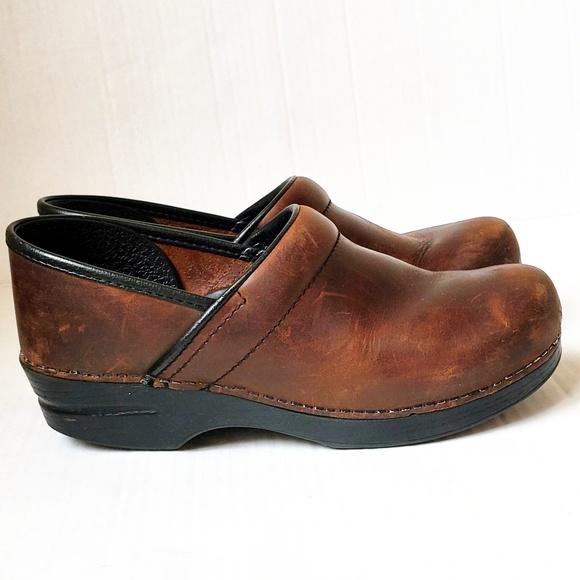 53ccacb93f600 DANSKO Antique Brown Leather Clog Size 10 Narrow